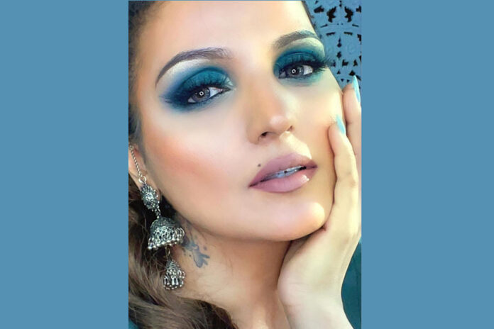 The journey from MAKEUP ARTIST to BEAUTY EDUCATOR - Deepti Gaba